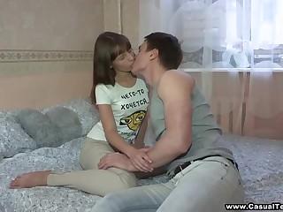 Секс на первом свидании с русской давалкой